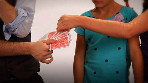 How to Do the 2 Detectives Card Magic Trick